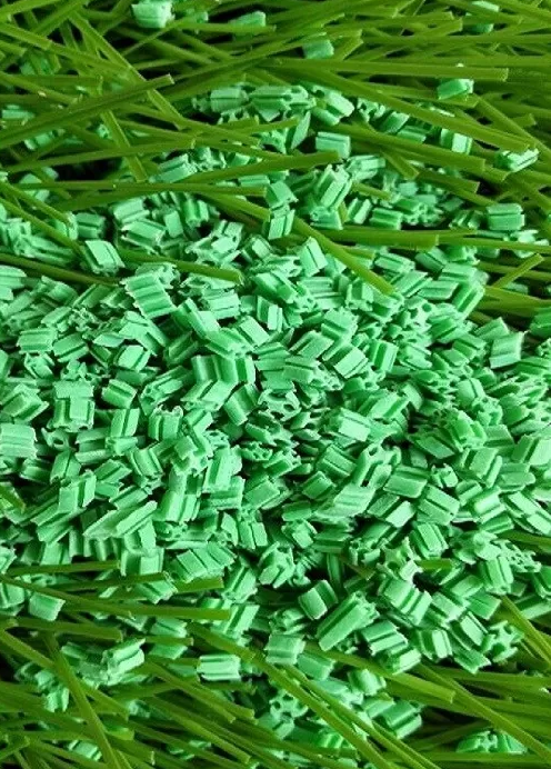 2-4 MM Diameter Landscaping Synthetic Turf Infill EPDM Rubber Granules Octahedral Prism Low Bulk Den